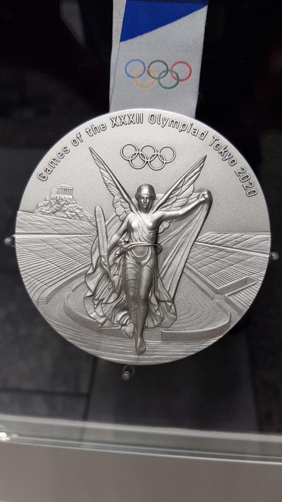 東京オリンピック 銀メダル